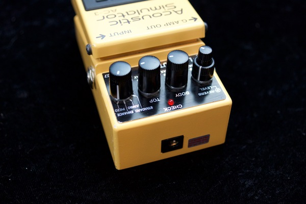 Boss ac3 back guitar pedal 3